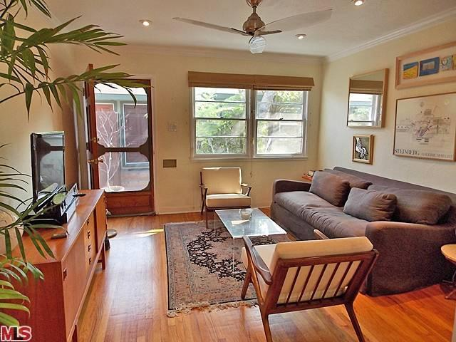 Merveilleux Incredibly Charming And Distinctive 1940u0027s Garden Style Condo Located On A  Beautiful Tree Lined Street In Sunset Park
